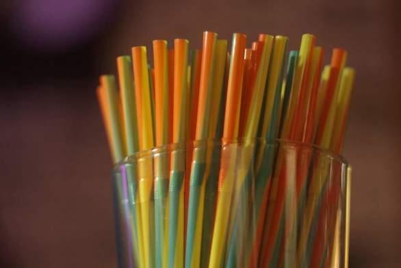 Ενστάσεις για την απαγόρευση των πλαστικών μιας χρήσης