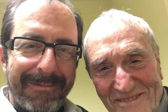 """Ο Πατρινός Ανδρέας Ανδριόπουλος συνάντησε τον 92χρονο """"έφηβο"""" Γιάννη Βογιατζή!"""