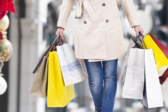 """""""Ζεστάθηκε"""" η αγορά της Πάτρας - Τι δείχνουν οι πρώτες εκτιμήσεις για τον τζίρο των μαγαζιών"""
