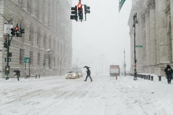 ΗΠΑ: Έξι νεκροί από τη χιονοθύελλα