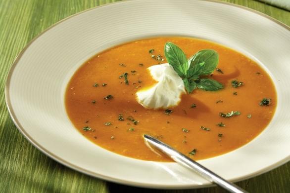 Βελουτέ σούπα καρότου με γιαούρτι