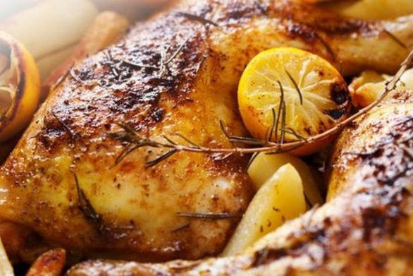 Φτιάξτε κοτόπουλο στο φούρνο με πορτοκάλι