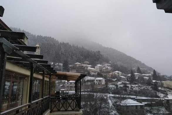 Το χιόνι έκανε ακόμα πιο όμορφη την Άνω Βλασία Καλαβρύτων!