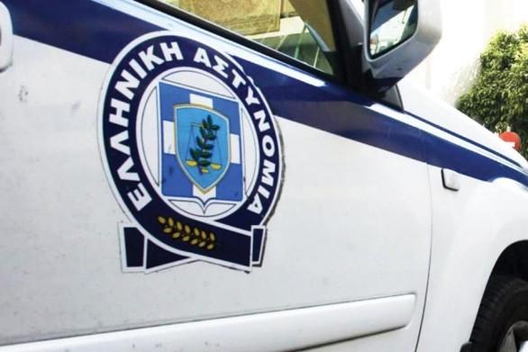 Πάτρα: Tην έπιασαν οι αστυνομικοί γιατί εκκρεμούσε ένταλμα σύλληψης