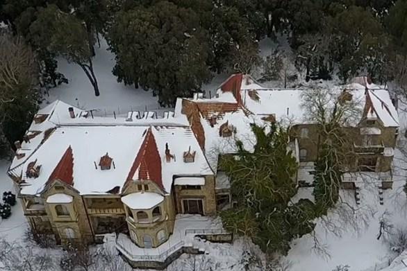 Εντυπωσιακό το χιονισμένο Τατόι (video)