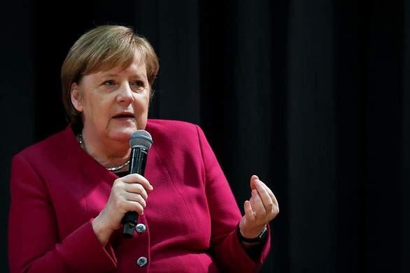 """Μέρκελ: """"Το προσφυγικό μας αφορά όλους και δεν μπορούμε να αφήσουμε την Ελλάδα μόνη της"""""""