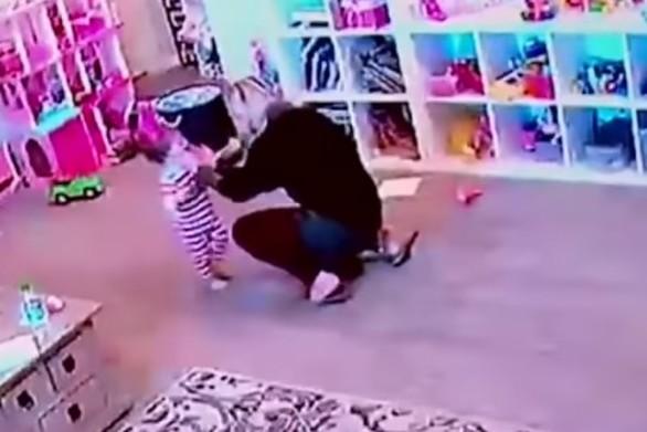ΗΠΑ: Mητέρα σώζει το κοριτσάκι της από τον θάνατο (video)