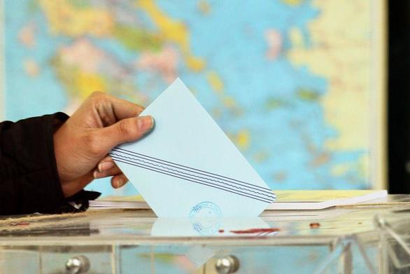 Le Monde: Όλο και πιο πιθανές οι πρόωρες εκλογές