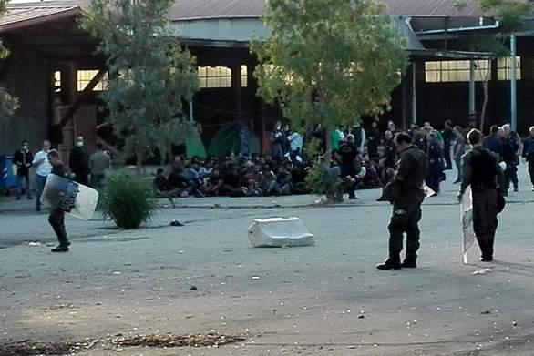 Πάτρα: 21 άτομα προσήχθησαν στα κρατητήρια της Ερμού - Οδηγήθηκαν εκτός Αχαΐας