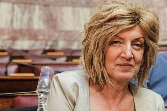 """Σία Αναγνωστοπούλου: """"Δίνουμε ψήφο εμπιστοσύνης σε αυτή την Κυβέρνηση"""" (video)"""
