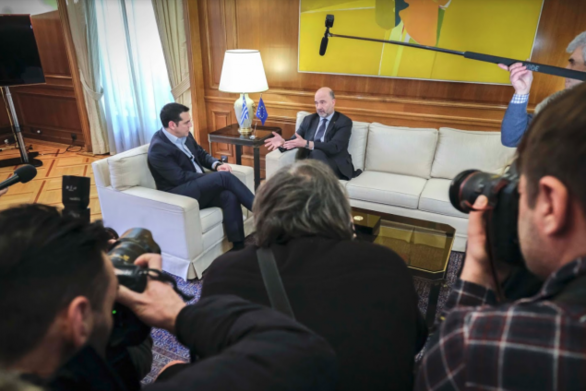 "Mοσκοβισί σε Τσίπρα: ""Οι Έλληνες δικαιούνται ένα πλήρες success story"""