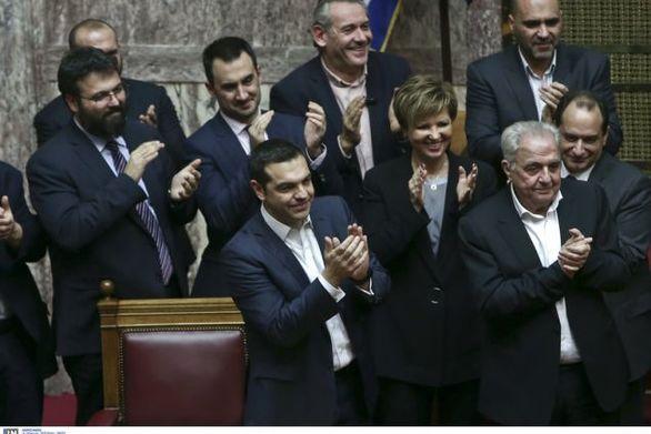 """Πήρε ψήφο εμπιστοσύνης με 151 """"ναι"""" ο Αλέξης Τσίπρας"""