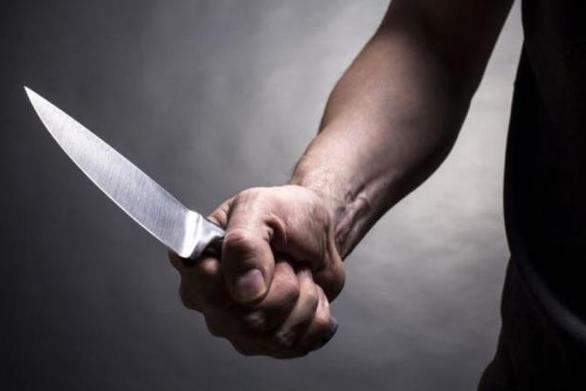 Μεσολόγγι: Νταής 47χρονος απειλούσε με μαχαίρι και έβαλε φωτιά σε αυτοκίνητο