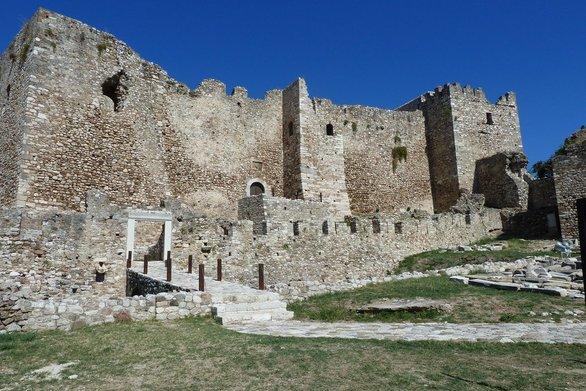 """Στο """"μάτι"""" του Υπερταμείου το Κάστρο της Πάτρας, το Ρωμαϊκό Στάδιο και το Ωδείο!"""