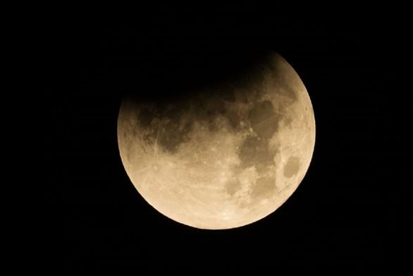Ωρίων: Oλική έκλειψη σελήνης ορατή από την Πάτρα