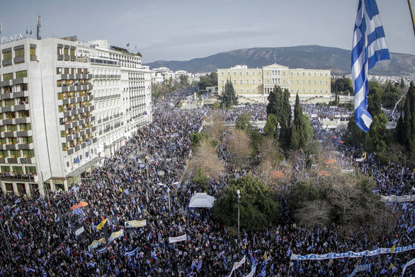 Liberation για συλλαλητήριο: Μία παλίρροια λευκού και μπλε χρώματος