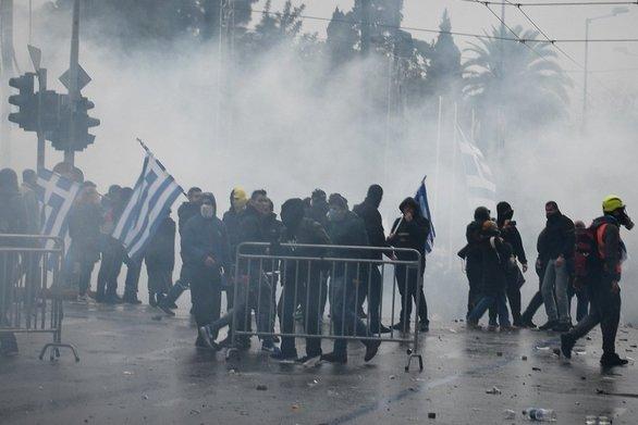 """Το ΔΣ της Ένωσης Φωτορεπόρτερ Ελλάδας καταγγέλλει δολοφονική επίθεση """"διαδηλωτών"""""""