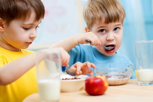 Ποιο είναι το ιδανικό πρωινό για τα παιδιά;