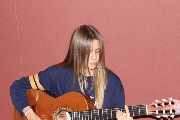 Η 18χρονη Πατρινή, μέλος του ορχηστρικού σχήματος Vibrato της Πολυφωνικής (pics+video)