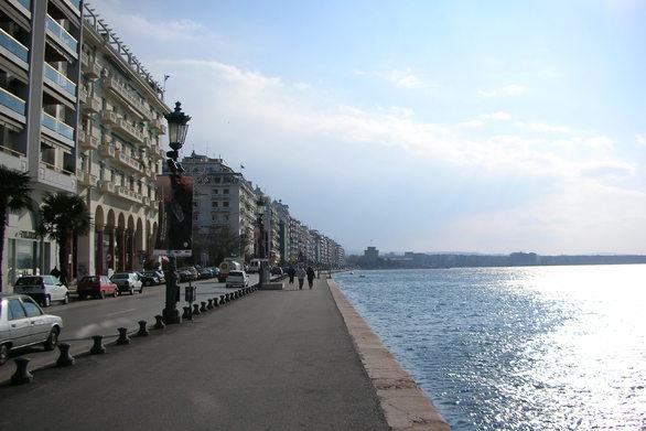 Θεσσαλονίκη: Νεαρός άνδρας έπεσε στον Θερμαϊκό