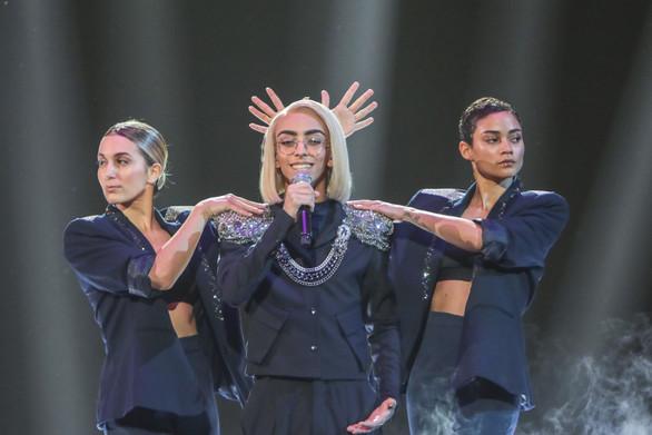 """""""Μάγεψε"""" τη Eurovision στη Γαλλία τραγουδώντας το """"Fuego"""" της Ελένης Φουρέιρα (video)"""