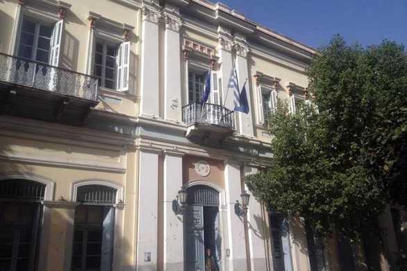 Ο Δήμος Πατρέων για δημοσίευμα σε πλημμυρισμένη αίθουσα σχολείου