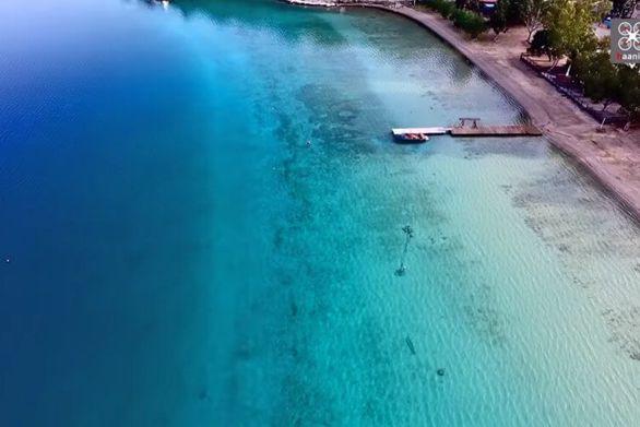 Η άγνωστη λίμνη Βουλιαγμένη από ψηλά (video)