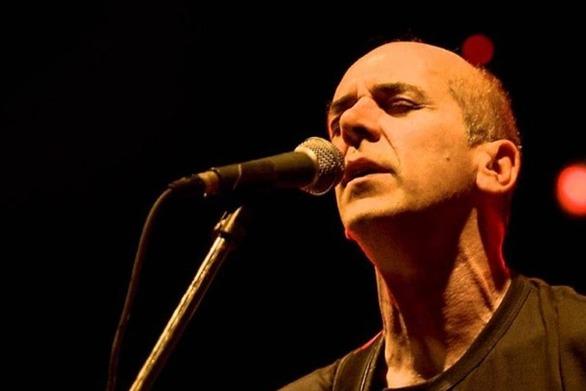 """Ορφέας Περίδης: """"Αγαπώ το τραγούδι όχι σαν επάγελμα, αλλά σαν διέξοδο"""""""