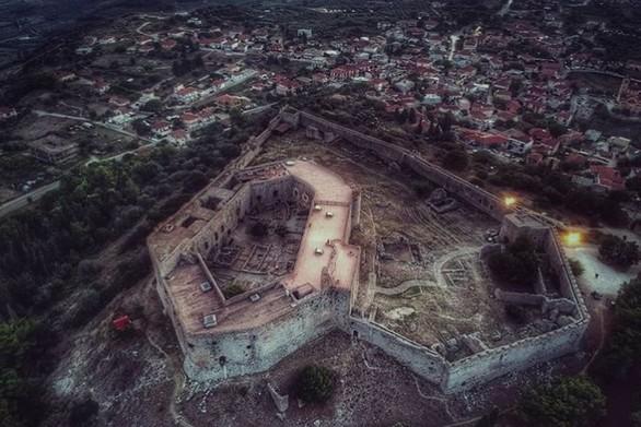 Ταξιδεύοντας στο Χλεμούτσι - Το όμορφο κάστρο της Ηλείας (pics+video)