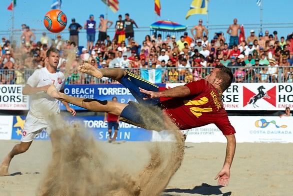 """Η Πάτρα διεκδικεί το """"final - 4"""" του Τσάμπιονς Λιγκ στο beach soccer το 2020!"""