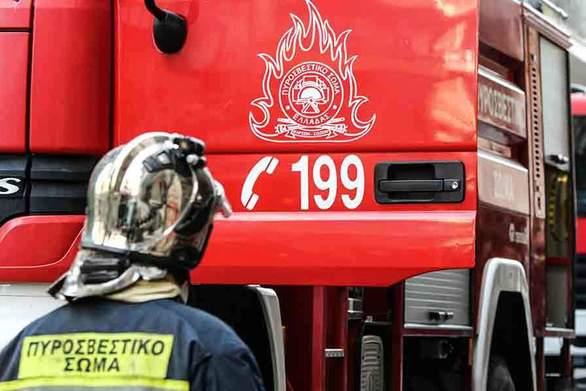 Πάτρα - Ξέσπασε φωτιά σε σπίτι στο Πετρωτό