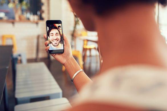 Η Apple διόρθωσε το πρόβλημα στο λογισμικό FaceTime