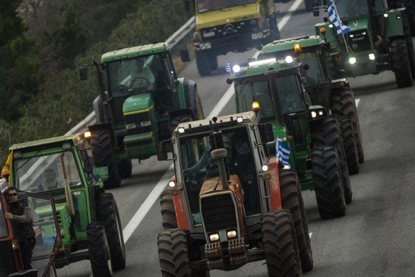 Αγρότες: Δίνουν «τελεσίγραφο» στην κυβέρνηση μέχρι το απόγευμα της Δευτέρας