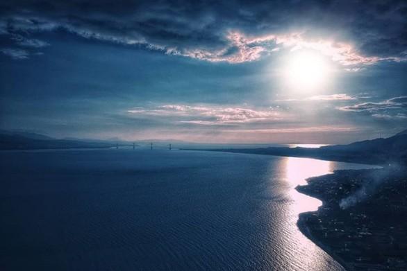 Όταν ο ήλιος συντροφεύει τη Γέφυρα Ρίου - Αντιρρίου