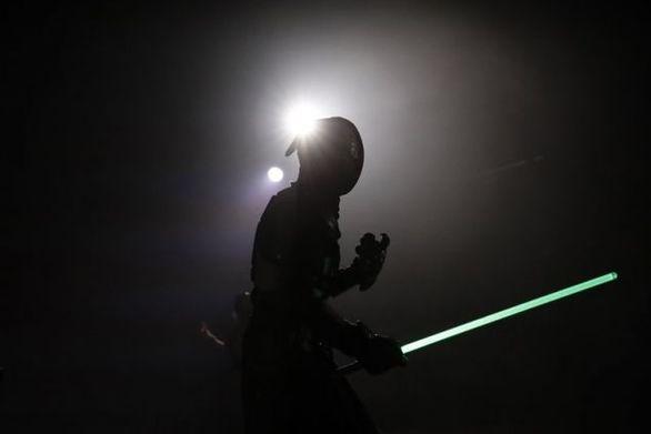 Η μονομαχία με φωτόσπαθο είναι πλέον επίσημο άθλημα
