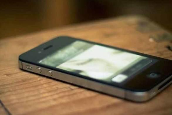 Πάτρα: Άρπαξε κινητό τηλεφωνο από ψιλικατζίδικο