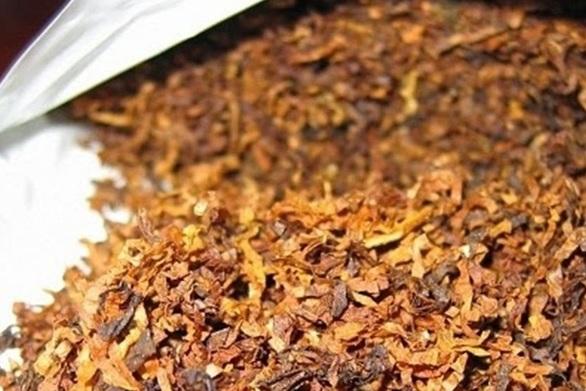 """Πάτρα: """"Τσίμπησαν"""" διακινητή λαθραίων καπνικών προϊόντων"""