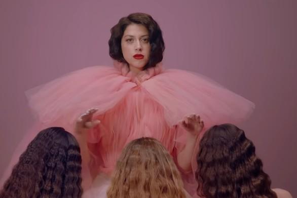 """Ακούστε το """"Better Love"""" με το οποίο η Κατερίνα Ντούσκα θα εκπροσωπήσει την Ελλάδα στη Eurovision! (video)"""
