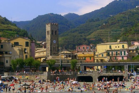 Πρόστιμο 2.500 ευρώ αν πας σε αυτή την παραλιακή πόλη της Ιταλίας με σαγιονάρες