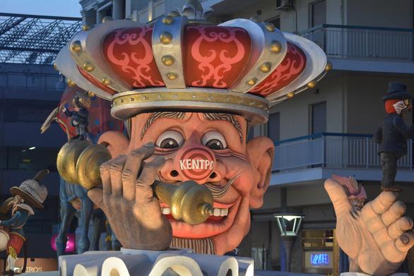 Το Καρναβαλικό Συνεργείο άφησε το στίγμα του στο φετινό Πατρινό Καρναβάλι!