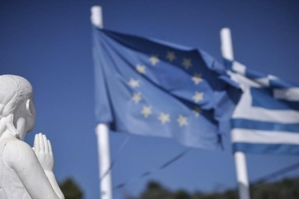 CNBC: Η Ελλάδα σημειώνει κορυφαίες επιδόσεις στην ευρωζώνη