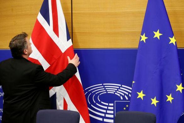 Κορυφώνεται η αγωνία για το Brexit