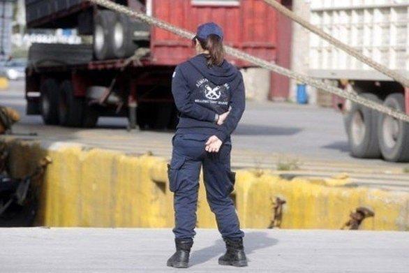 """""""Tσάκωσαν"""" αλλοδαπό στο λιμάνι της Πάτρας"""