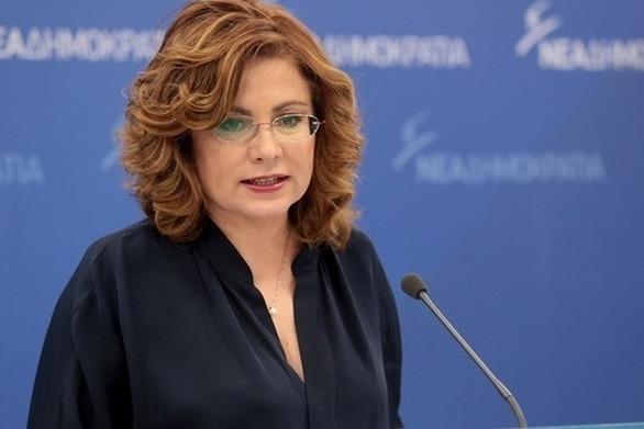 """Μαρία Σπυράκη: """"Το 2011 ο Λατούς μιλούσε για κατάρρευση του ευρώ και μινωικό νόμισμα"""""""