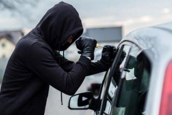 Αίγιο: Έκλεψε αυτοκίνητο ηλικιωμένου