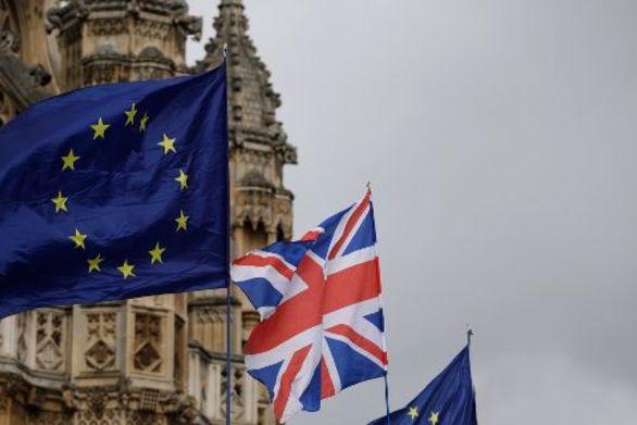 Βρετανία - 4 στους 10 πολίτες νιώθουν οργή και αμηχανία για το Brexit
