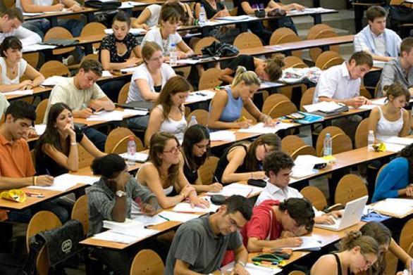 Απόφαση της ΑΑΔΕ, φαίνεται να εγκλωβίζει χιλιάδες φοιτητές