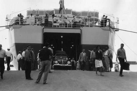 Φτάνοντας στην Πάτρα από το Μπρίντεζι της Ιταλίας, το 1961!