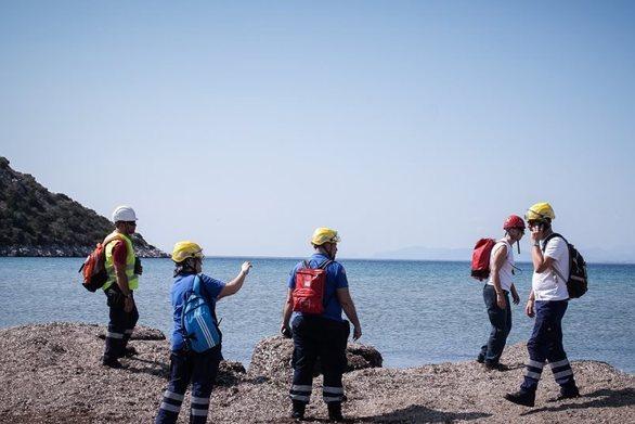 Σχοινιάς: Σώοι οι δύο επιβάτες του καταμαράν που ανετράπη