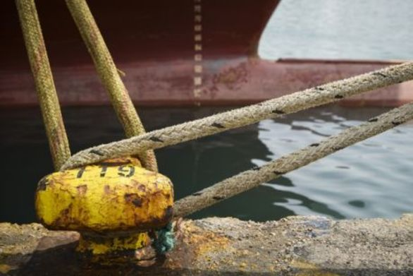 Πάτρα: Μηχανική βλάβη σε πλοίο με κατεύθυνση την Βοιωτία